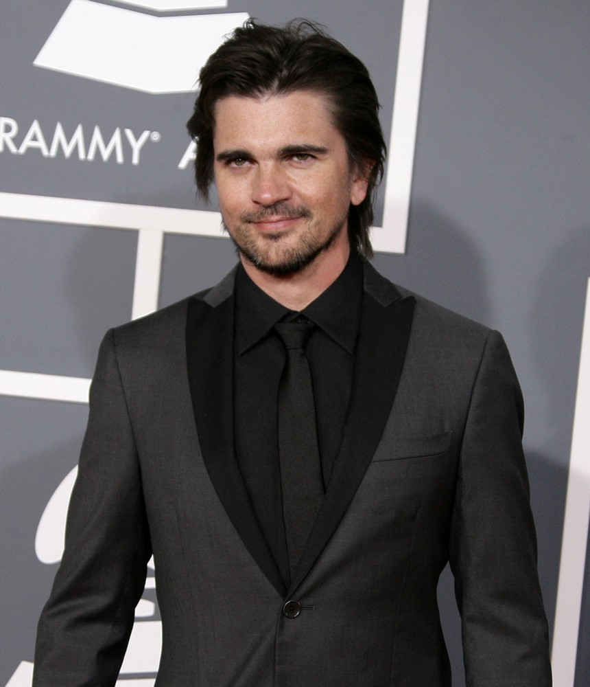 juanes-55th-annual-grammy-awards-02