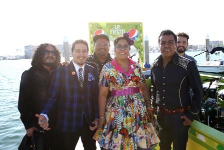 La Santa Cecilia at Pepsi Limon Fiesta 2